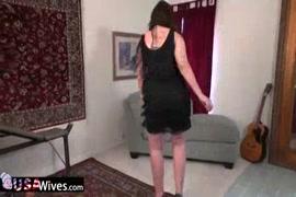 Femme ciugar nue potelé en foto porno